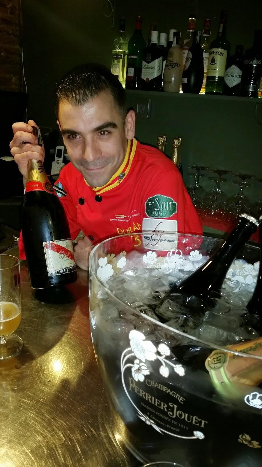 Tomamos Cerveza Si Nos Gustamos Cenamos Nos Seguimos Gustando Vamos Al Hotel 1420