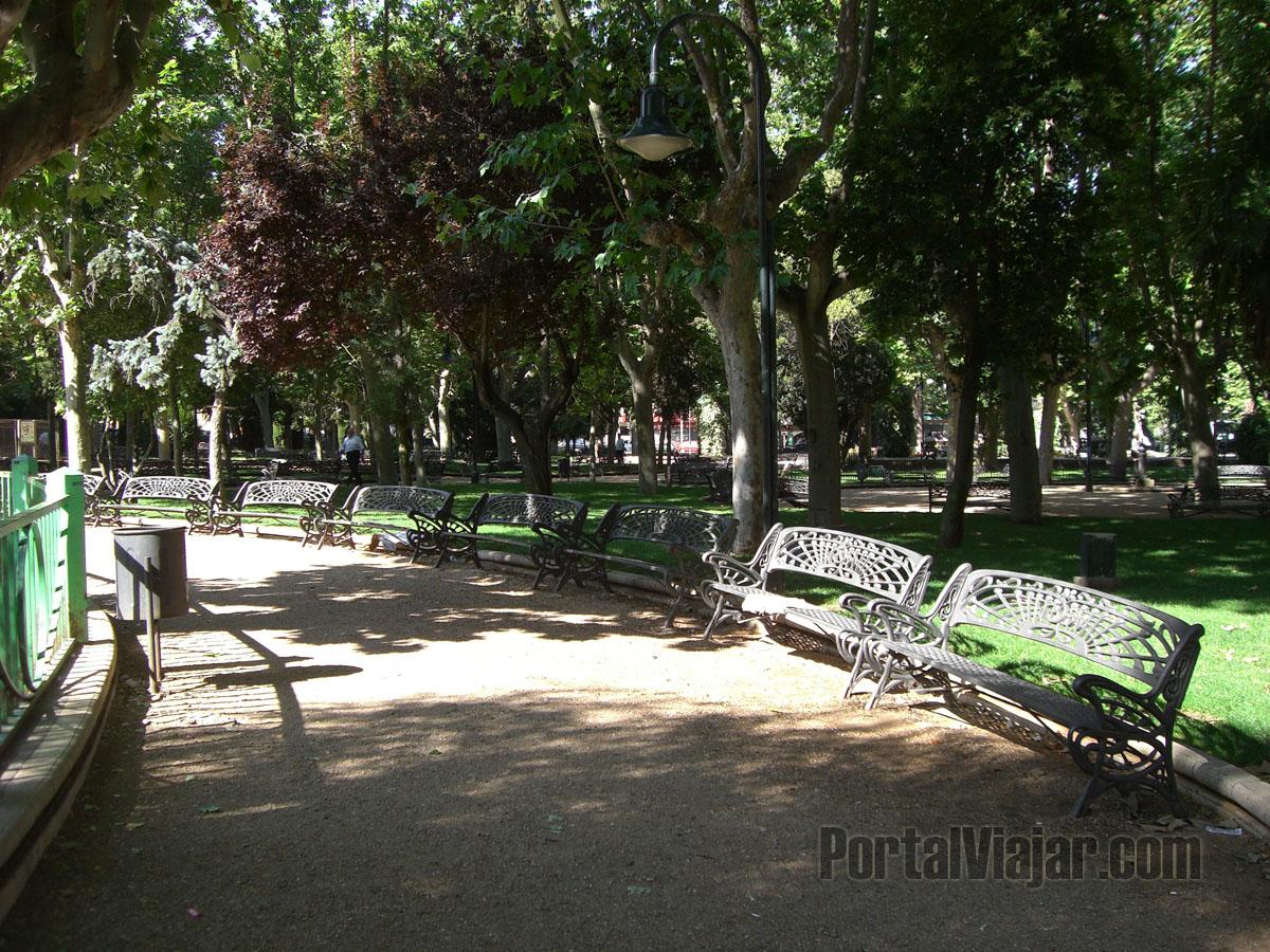 Parque Publico En Salamanca 8399
